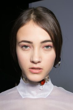 Dior-backstage-beauty-spring-2016-fashion-show-the-impression-038