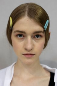 Dior-backstage-beauty-spring-2016-fashion-show-the-impression-069