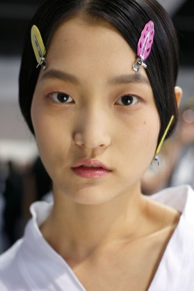 Dior-backstage-beauty-spring-2016-fashion-show-the-impression-084