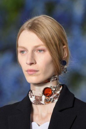 Dior-runway-beauty-spring-2016-fashion-show-the-impression-002