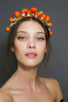 Dolce-and-Gabanna-backstage-beauty-spring-2016-fashion-show-the-impression-038