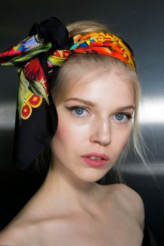 Dolce-and-Gabanna-backstage-beauty-spring-2016-fashion-show-the-impression-044