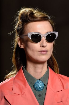 Dries-van-Noten-spring-2016-runway-beauty-fashion-show-the-impression-17
