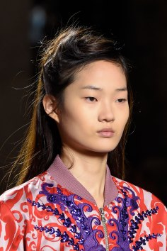 Dries-van-Noten-spring-2016-runway-beauty-fashion-show-the-impression-19