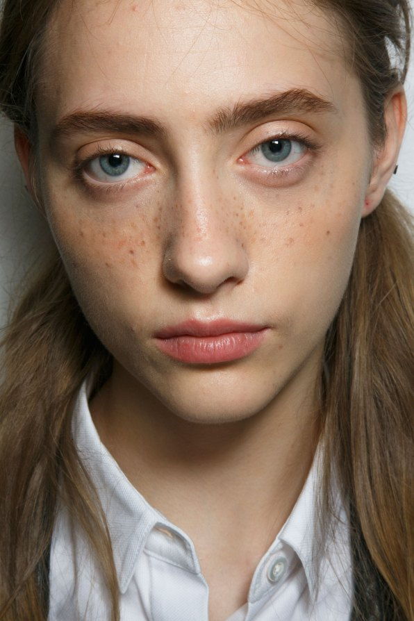 Emanuel-Ungaro-backstage-beauty-spring-2016-fashion-show-the-impression-013