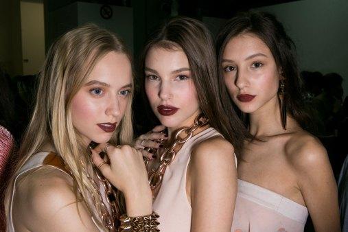 Emporio-Armani-spring-2016-beauty-fashion-show-the-impression-02