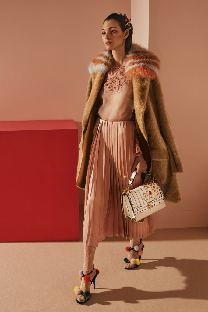 fendi-pre-fall-2017-fashion-show-the-impression-36