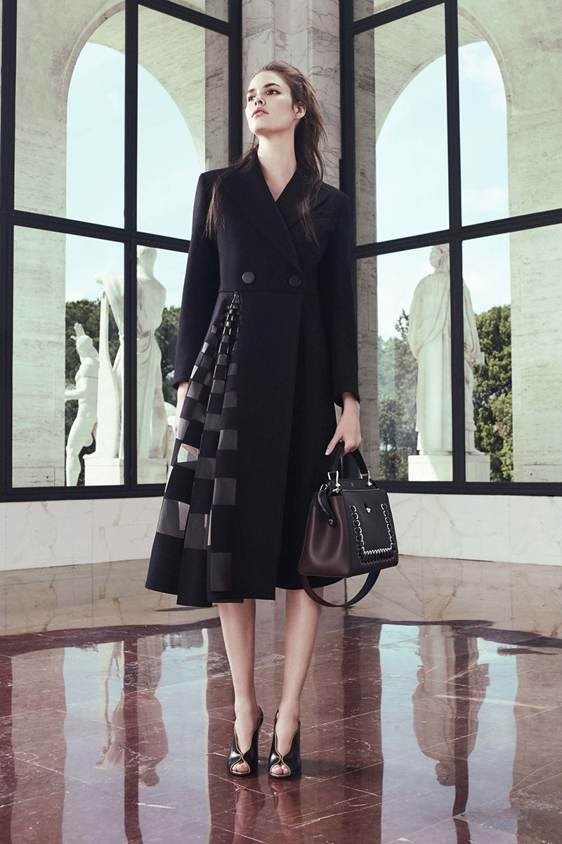 Fendi-resort-2017-fashion-show-the-impression-10