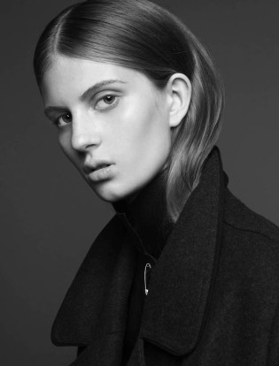 Florence Kossy model photo