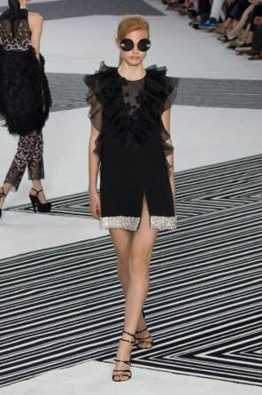 GIAMBATTISTA-VALLI-fall-2015-couture-the-impression-009-681x1024