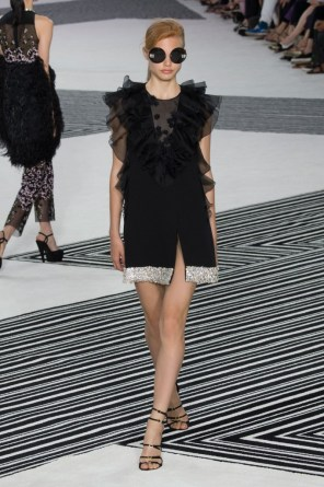 GIAMBATTISTA-VALLI-fall-2015-couture-the-impression-009-681x1024
