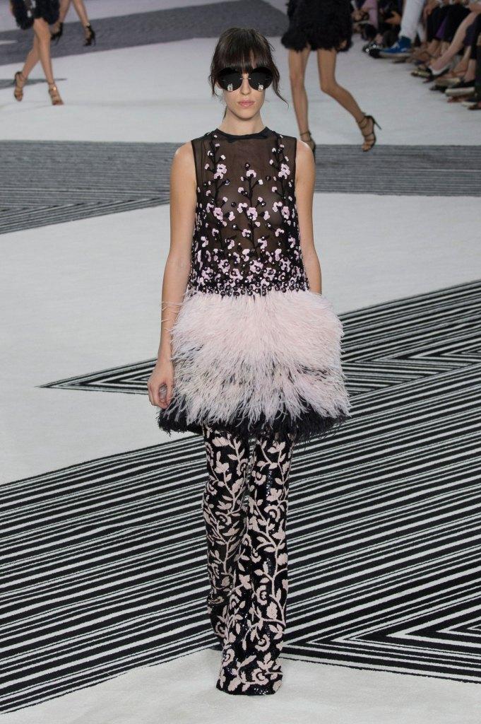 GIAMBATTISTA-VALLI-fall-2015-couture-the-impression-010