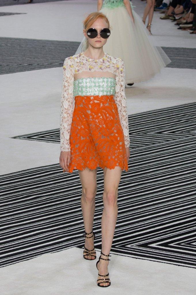 GIAMBATTISTA-VALLI-fall-2015-couture-the-impression-023