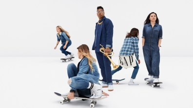 Gap-meet-me-in-the-gap-campaign-the-impression-12