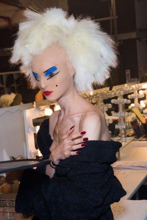 Gareth-Pugh-beauty-spring-2016-fashion-show-the-impression-147