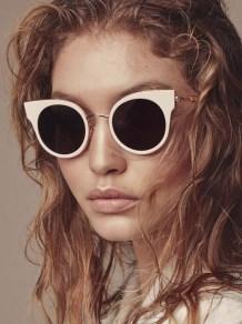 Gigi-Hadid-Max-Mara-Accessories-FW16-03-620x831