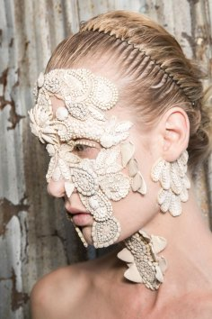 Givenchy-beauty-spring-2016-fashion-show-the-impression-52