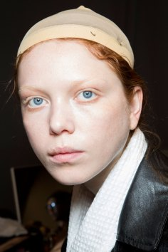 Gucci0-backsatge-beauty-spring-2016-fashion-show-the-impression-003