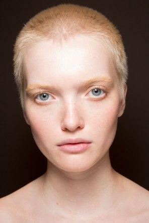 Gucci0-backsatge-beauty-spring-2016-fashion-show-the-impression-009