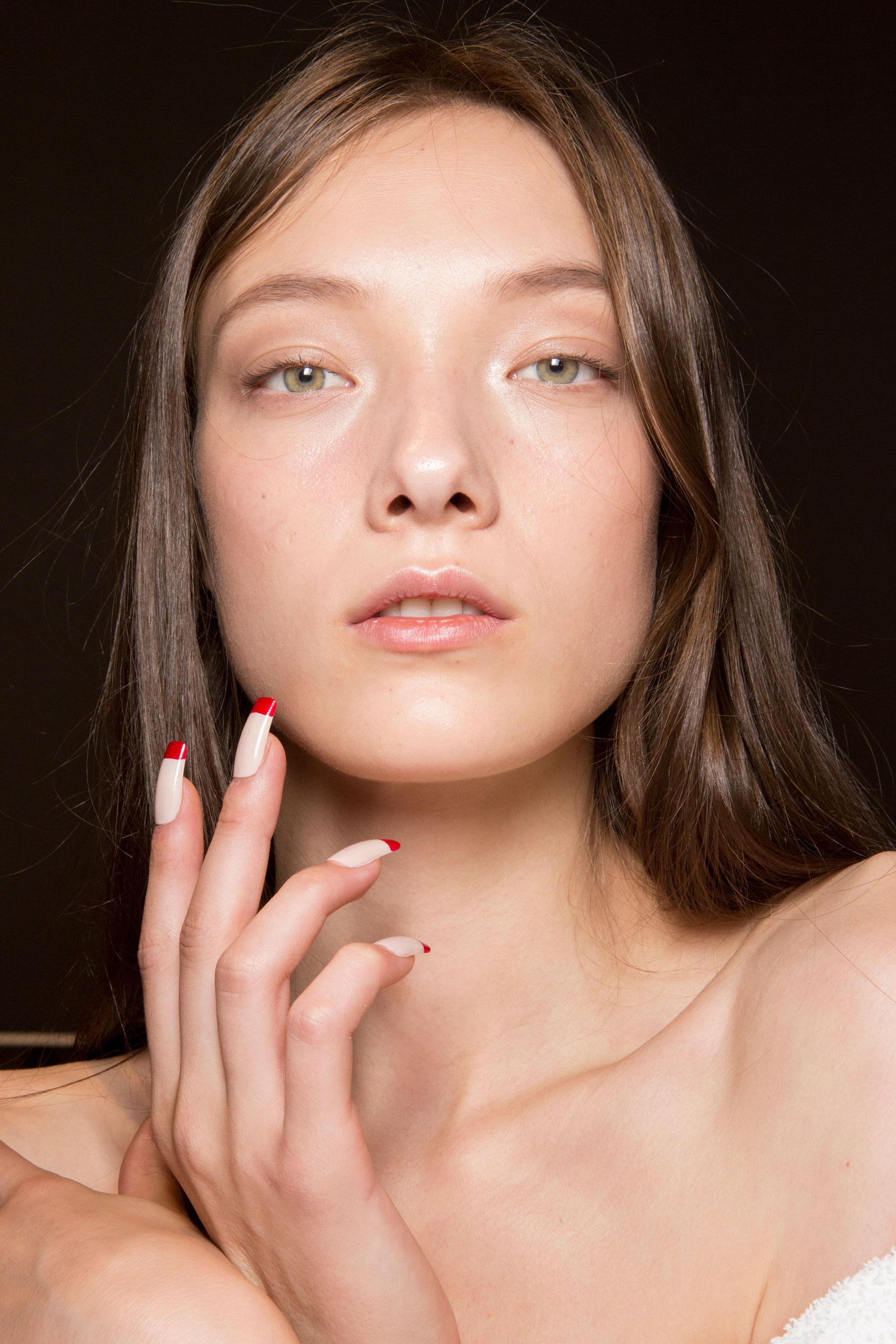 Gucci0-backsatge-beauty-spring-2016-fashion-show-the-impression-040