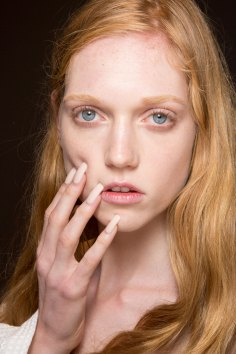 Gucci0-backsatge-beauty-spring-2016-fashion-show-the-impression-070