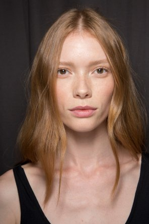 Gucci0-backsatge-beauty-spring-2016-fashion-show-the-impression-074