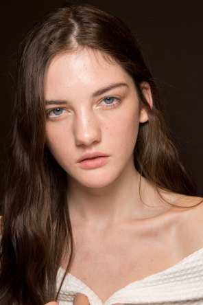 Gucci0-backsatge-beauty-spring-2016-fashion-show-the-impression-081
