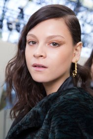 Guy-Laroche-spring-2016-beauty-fashion-show-the-impression-34