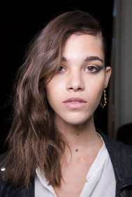 Guy-Laroche-spring-2016-beauty-fashion-show-the-impression-54