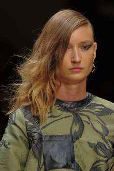 Guy-Laroche-spring-2016-runway-beauty-fashion-show-the-impression-21