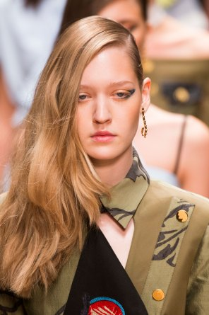 Guy-Laroche-spring-2016-runway-beauty-fashion-show-the-impression-52