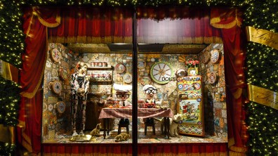 Harrods-dolce-gabbana-holiday-2017-takeover-the-impression-06