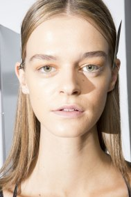 Holly-Fulton-beauty-spring-2016-fashion-show-the-impression-042