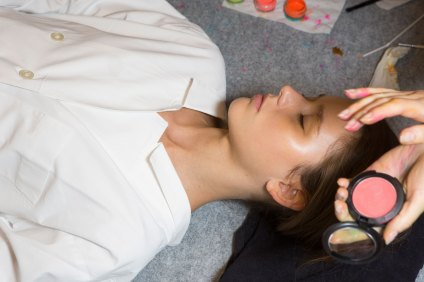Issey-Miyake-spring-2016-beauty-fashion-show-the-impression-02