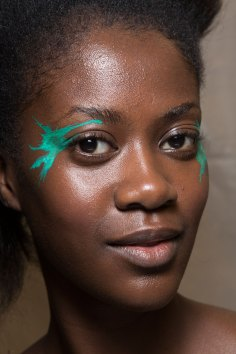 Issey-Miyake-spring-2016-beauty-fashion-show-the-impression-25