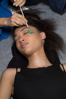 Issey-Miyake-spring-2016-beauty-fashion-show-the-impression-28