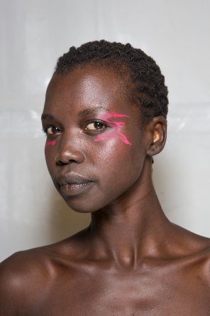 Issey-Miyake-spring-2016-beauty-fashion-show-the-impression-79