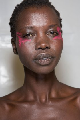 Issey-Miyake-spring-2016-beauty-fashion-show-the-impression-80