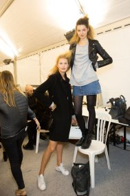 Issey-Miyake-spring-2016-beauty-fashion-show-the-impression-85