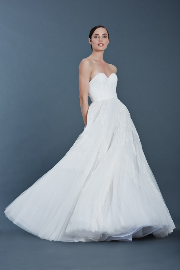 J-Mendel-fall-2016-bridal-fashion-show-the-impression-12