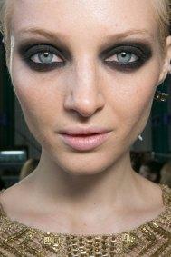 JULIEN-MACDONALD-beauty-spring-2016-fashion-show-the-impression-004