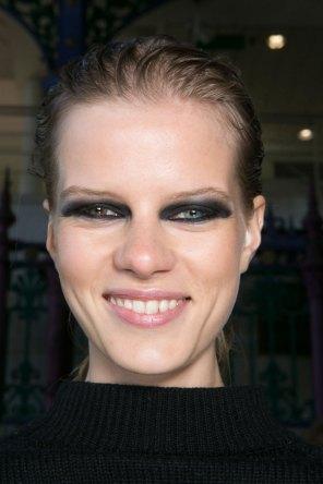 JULIEN-MACDONALD-beauty-spring-2016-fashion-show-the-impression-013