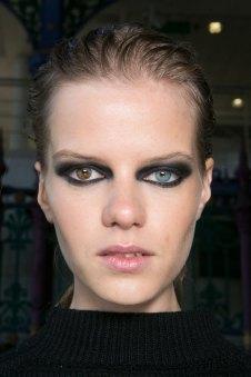 JULIEN-MACDONALD-beauty-spring-2016-fashion-show-the-impression-014