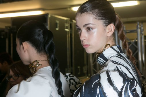 JW-Anderson-beauty-spring-2016-fashion-show-the-impression-034