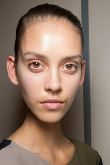 JW-Anderson-beauty-spring-2016-fashion-show-the-impression-058