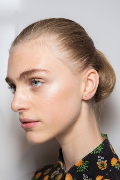 Jil-Sander-backstage-beauty-spring-2016-close-up-fashion-show-the-impression-069