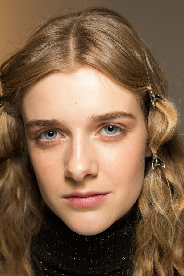 Lemaire-spring-2016-beauty-fashion-show-the-impression-10