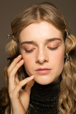 Lemaire-spring-2016-beauty-fashion-show-the-impression-18