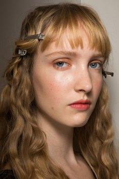Lemaire-spring-2016-beauty-fashion-show-the-impression-23