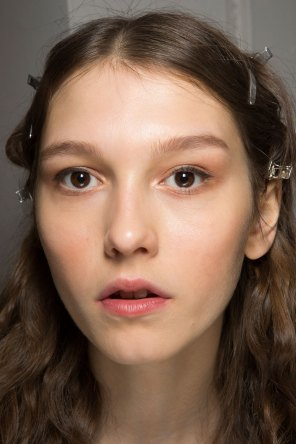 Lemaire-spring-2016-beauty-fashion-show-the-impression-29